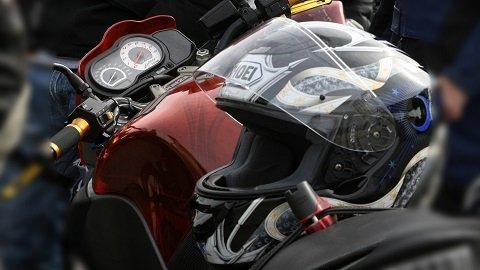 Gewicht en aerodynamica van de helm