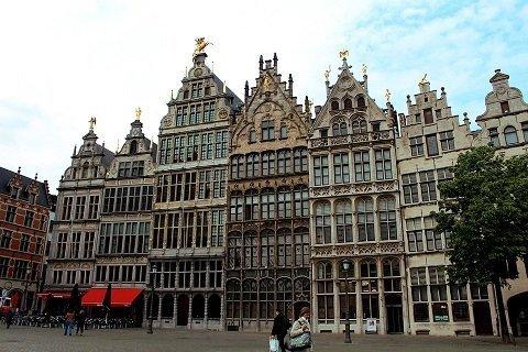 Met de scooter door Antwerpen: 5 leuke routes